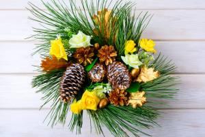 pinecone-centerpiece
